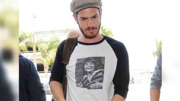 PHOTO: Andrew Garfield arrives at LAX airport wearing a shirt featuring a photo of Michael J. Fox in Los Angeles, Calif. on June 11, 2014.