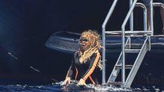 Mariah Carey Takes the Plunge