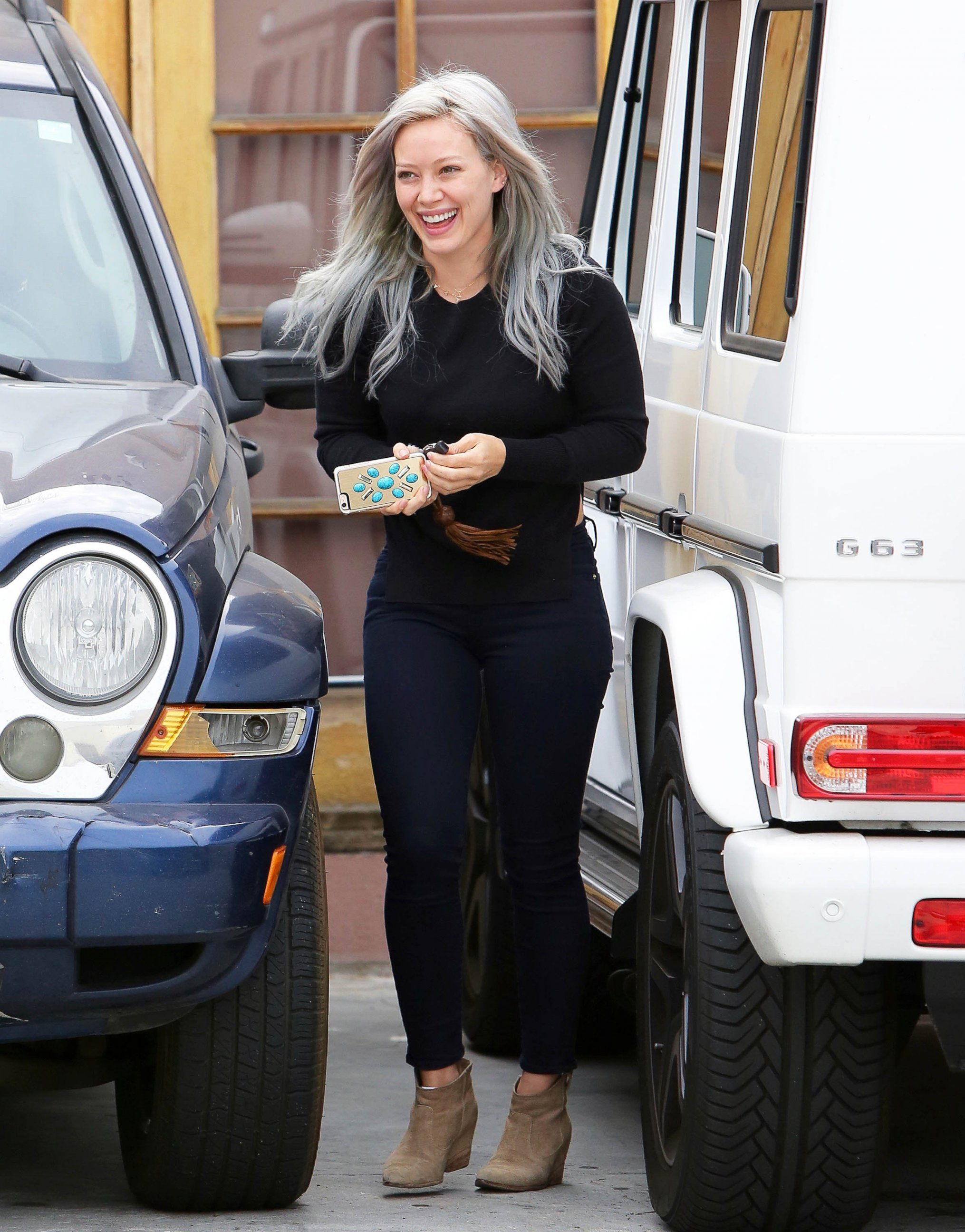 Hilary Duff Dyes Her Hair Yet Again