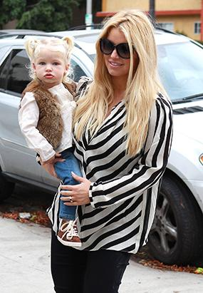 Jessica Simpson Steps Out with Her Mini-Me, Maxwell