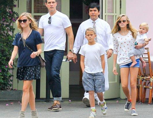 Tea Leoni And Family