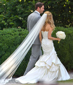 ffn jay cutler kristin cavallari wedding thg 130610 vblog Photo: Kristin Cavallaris Gorgeous Wedding Dress