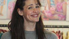 Jennifer Garner Goes Makeup-Free in Santa Monica