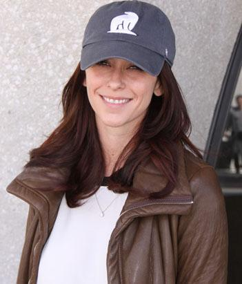 Alanis Goes Makeup Free