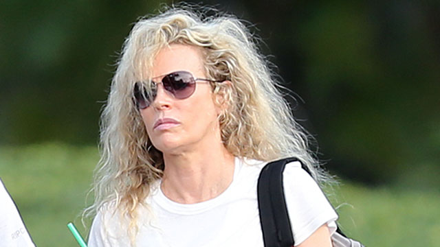 PHOTO: Kim Basinger enjoys her birthday in Hawaii, Dec. 8, 2012.