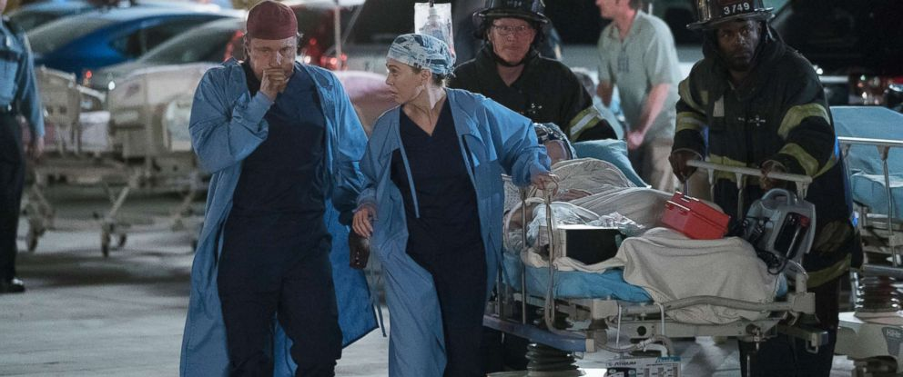 """PHOTO:Martin Henderson and Ellen Pompeo of Greys Anatomy during the show entitled, """"Ring of Fire."""""""