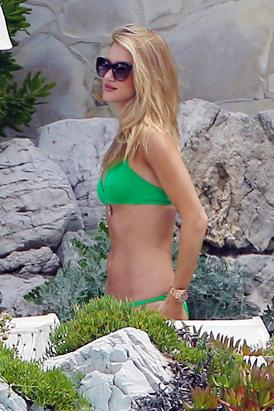 Rosie Huntington Whitely Flaunts Green Bikini