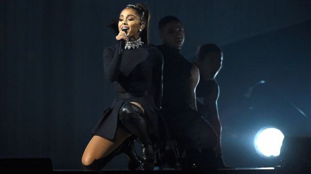 PHOTO: Ariana Grande performs onstage during her