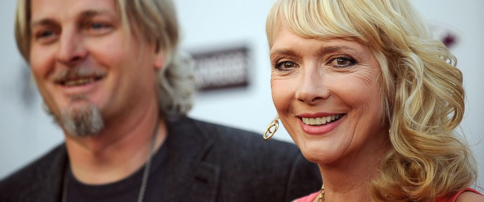 "PHOTO: Glenne Headly arrives with her husband Byron McCulloch at the premiere of ""The Joneses"" in Hollywood, Calif., April 8, 2010."