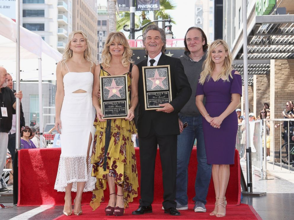 PHOTO: Honorees Kurt Russell and Goldie Hawn pose with Kate Hudson, Quentin Tarantino and Reese Witherspoon at their Walk of Fame Stars ceremony in Hollywood, California, May 4, 2017.