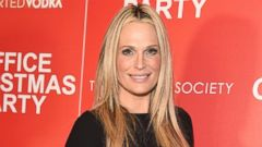 Molly Sims Shows Off Her Growing Baby Bump
