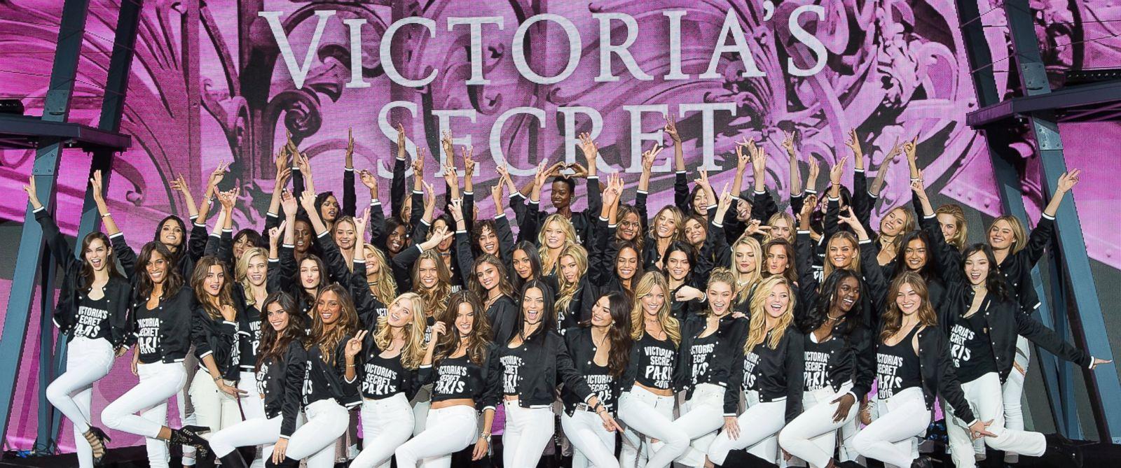 PHOTO: Victorias Secret models pose during a photocall at Le Grand Palais, Nov. 28, 2016, in Paris.