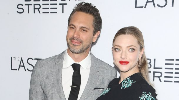 PHOTO: Thomas Sadoski and Amanda Seyfried arrive at the Los Angeles premiere of