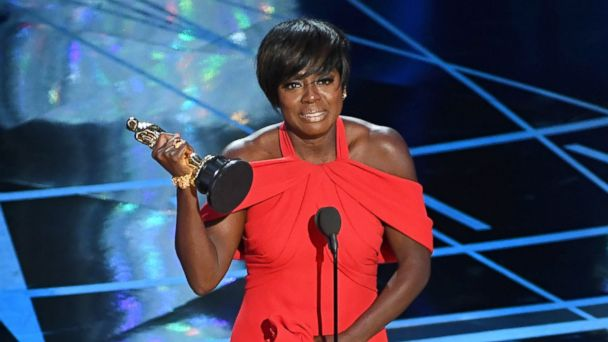 PHOTO: Viola Davis accepts the Best Supporting Actress Award for