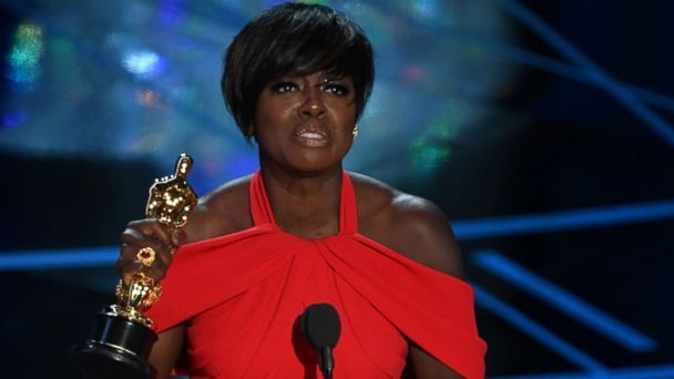 PHOTO: Viola Davis accepts the award for Best Supporting Actress in