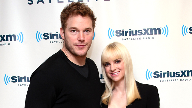 PHOTO: Chris Pratt and Anna Faris visit the SiriusXM Studios in New York, Oct. 15, 2013.