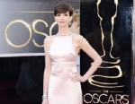 PHOTO: Actress Anne Hathaway arrives at the Oscars at Hollywood & Highland Center on February 24, 2013 in Hollywood.