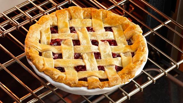 PHOTO: Pie in oven