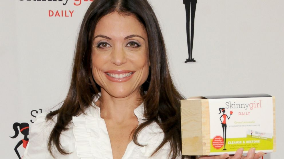 PHOTO: Bethenny Frankel introduces Skinnygirl Daily to fans at the GNC Beverly Center s