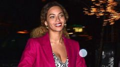 Beyonce Gets Into the Holiday Spirit