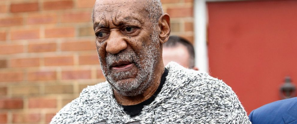 PHOTO: Bill Cosby leaves the Court House in Elkins Park, Pa. after his arraignment on a charge of aggravated indecent assault, Dec. 30, 2015.