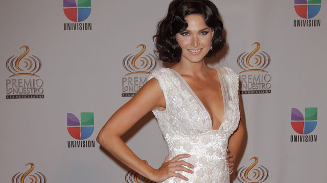 PHOTO: Blanca Soto arrives at the Premio Lo Nuestro a La Musica Latina at American Airlines Arena on February 16, 2012 in Miami, FL.