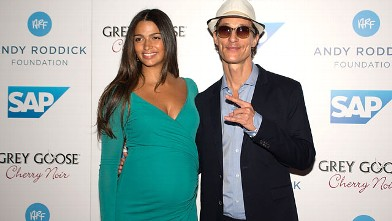 PHOTO: Matthew McConaughey and Camila Alves arrive at the 7th Annual Andy Roddick Foundation Gala, Sept. 21, 2012, in Austin, Texas.