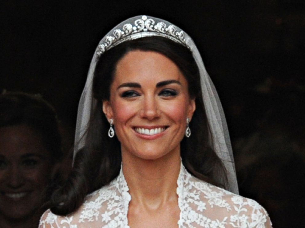 PHOTO Kate, Duchess of Cambridge following her wedding ceremony on April 29, 2011
