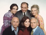 PHOTO: The Mary Tyler Moore Show featuring cast members, clockwise from top left, Valerie Harper (as Rhoda Morgenstern); Edward Asner (as Lou Grant); Cloris Leachman (as Phyllis Lindstrom); Ted Knight (as Ted Baxter); Mary Tyler Moore (as Mary Richards)