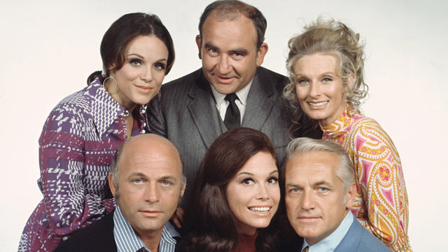PHOTO: 'The Mary Tyler Moore Show' featuring cast members, clockwise from top left, Valerie Harper (as Rhoda Morgenstern); Edward Asner (as Lou Grant); Cloris Leachman (as Phylli