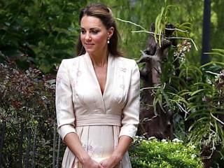 Photos: Kate Middleton Pretty in Pink