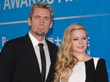 Avril Lavigne Gets 17-Carat Anniversary Gift From Chad Kroeger