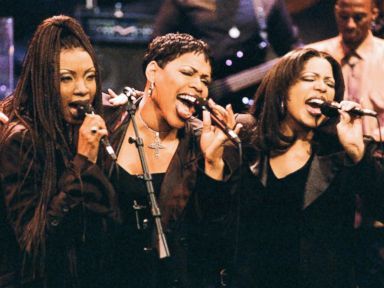 PHOTO: Charmayne Maxee Maxwell, Nicole Nicci Gilbert, Monica Mimi Doby of musical guest Brownstone perform on The Tonight Show with Jay Leno, June 8, 1995.