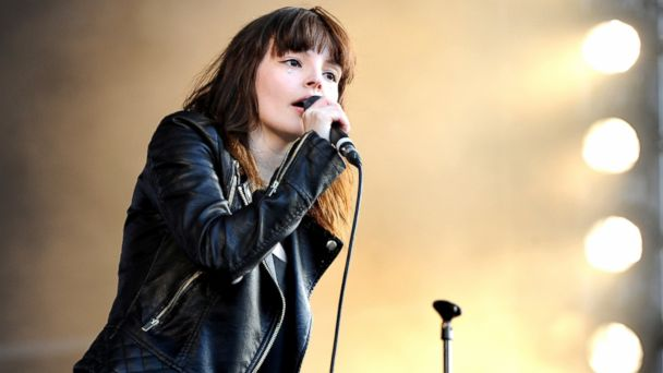 PHOTO: Lauren Mayberry of Chvrches performs on Day 2 of the V Festival at Weston Park on August 23, 2015 in Stafford, England.