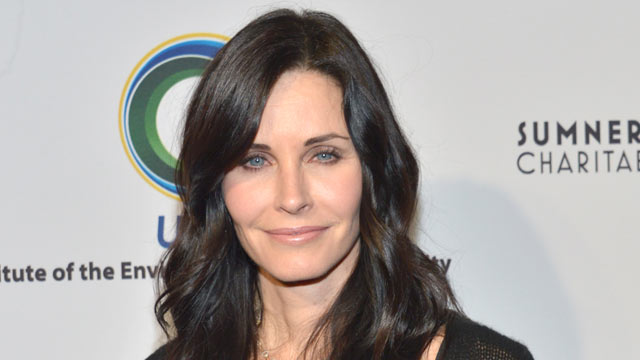PHOTO: Courteney Cox attends the UCLA Institute Of The Environment And Sustainability's 2nd Annual Evening Of Environmental Excellence on March 5, 2013 in Beverly Hills, Calif.
