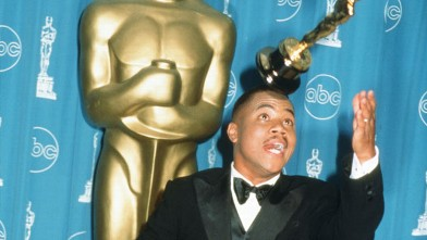 "PHOTO: Cuba Gooding Jr. poses with his award for Best Actor In A Supporting Role for ""Jerry Maguire"" at the 69th Annual Academy Awards ceremony March 24, 1997 in Los Angeles, Calif."
