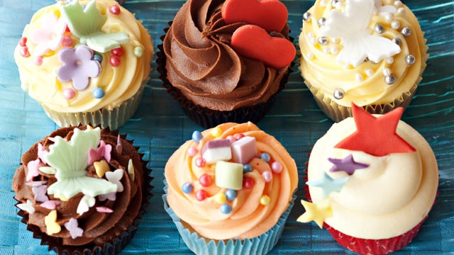PHOTO: A survey in the U.K. revealed that popular cupcake decorations contained plastic and powdered bronze.
