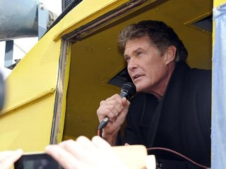 Hasselhoff Joins Protest to Save Berlin Wall
