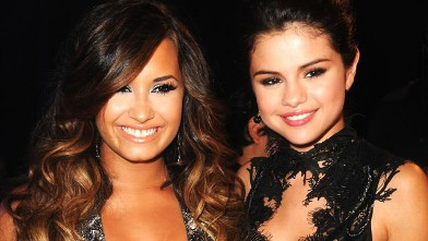 PHOTO: Singers Demi Lovato, left, and Selena Gomez arrive at the 2011 MTV Video Music Awards at Nokia Theatre L.A. Live Aug. 28, 2011 in Los Angeles, Calif.