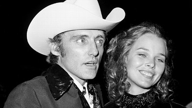 PHOTO: Dennis Hopper and Michelle Phillips