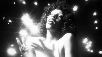 PHOTO: Donna Summer performing on stage.