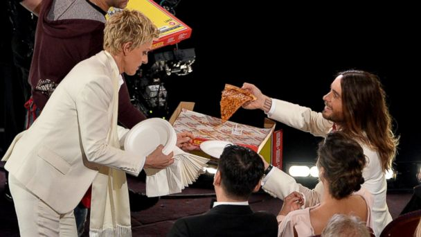 gty ellen pizza kb 140302 16x9 608 The Guy Who Delivered Pizzas to the Oscars Is a Real Deliveryman