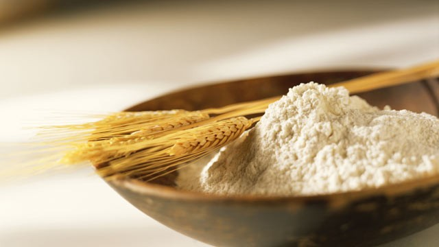 PHOTO: Sara Moulton explains when to use cake flour or all-purpose flour in a recipe.