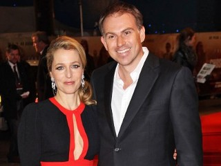 Photos: Gillian Anderson Splits from Longtime Love Mark Griffiths