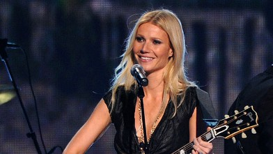 PHOTO: Gwyneth Paltrow performs onstage at the 44th Annual CMA Awards at the Bridgestone Arena, Nov. 10, 2010 in Nashville, Tennessee.