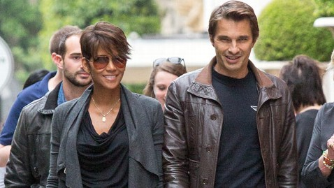 gty halle berry olivier martinez jef 130613 wblog Halle Berry, Olivier Martinez Expecting a Boy