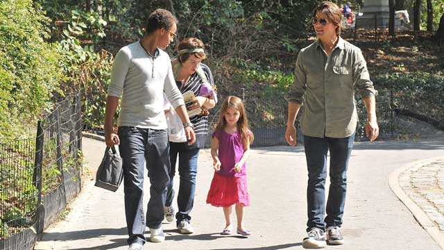PHOTO: Connor Cruise, Isabella Cruise, Tom Cruise and Suri Cruise visit a Central Park West playground on Sept. 7, 2010 in New York City.