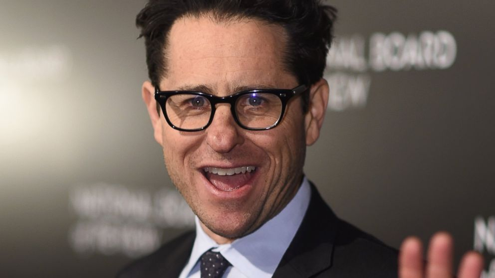 J J  Abrams Buys Pizza For  U0026 39 Star Wars U0026 39  Fans Camping Out
