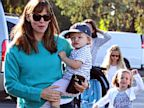 PHOTO: Jennifer Garner with her children Violet Affleck, Seraphina Affleck and Samuel Affleck in Los Angeles, Aug. 25, 2013.