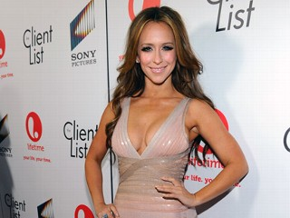 Jennifer Love Hewitt Appraises Her Breasts